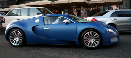spotted bugatti veyron bleu centenaire gtspirit. Black Bedroom Furniture Sets. Home Design Ideas