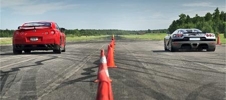 Video Nissan GT-R vs Koenigsegg CCR Evolution