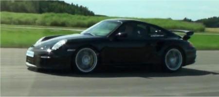 Video Porsche 997 GT2 vs MTM RS6 R