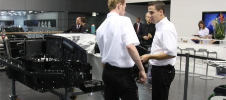 Video Wiesmann builds live GT MF4 at IAA 2009