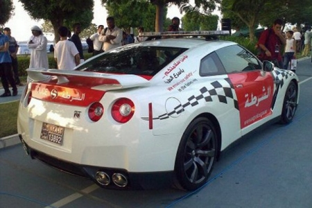 Adu Dhabi Police Force Gets Nissan GT-R 02