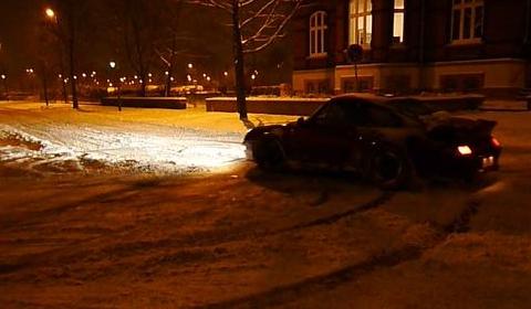 Video Snow Drifting with a Porsche 480x280