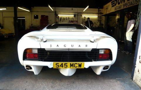 Jaguar_XJ220S_For_Sale_02