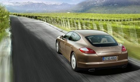 Video: Porsche Panamera and Panamera 4