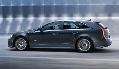 Official Cadillac CTS-V Sport Wagon 01