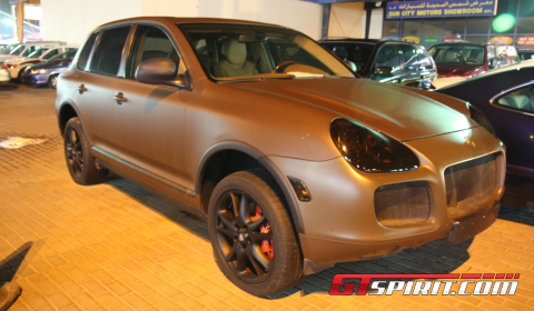 Overkill Porsche Cayenne Turbo Golden Edition
