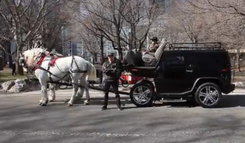 Video Hummer H2 Powered by Horses