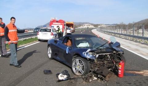 Car Crashes Nephew Mayor of Split Crashes F430 Spyder