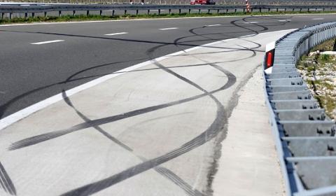 Car Crashes Nephew Mayor of Split Crashes F430 Spyder 01