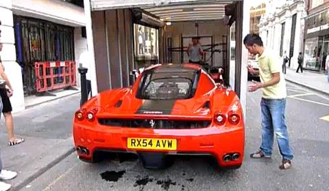 Video Ferrari Enzo Tight Fit