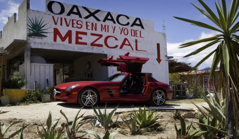 Video Mercedes SLS AMG and 300 SL in Mexico