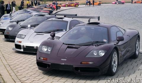 21 McLaren F1s at McLaren Factory Meeting