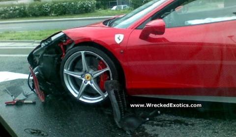 Car Crash Ferrari 458 Italia in Poland 01