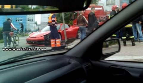 Car Crash Ferrari 458 Italia in Poland 02