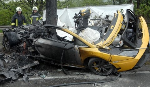Car Crash Two Dead During Gallardo Demo