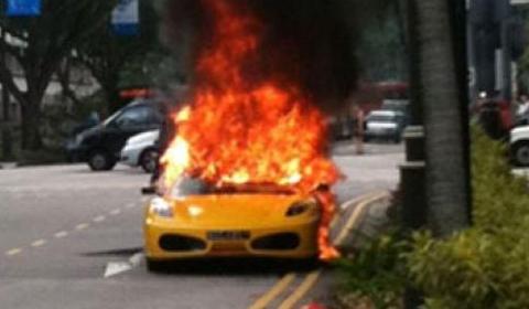 Ferrari 430 Spider Burns Down in Singapore