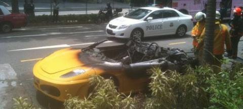 Ferrari 430 Spider Burns Down in Singapore 01
