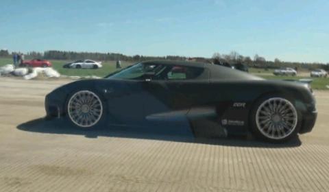 Video Corvette ZR1 vs Koenigsegg CCR Evolution