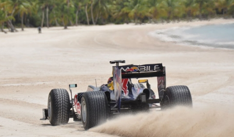 Video Red Bull Racing Team at the Beach