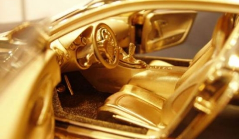 Gold Bugatti Veyron Model 01