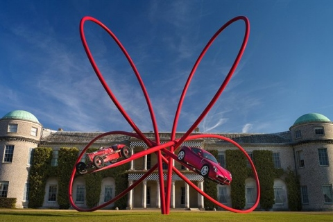 Goodwood 2010 Alfa Reveals Annual Central Feature 320