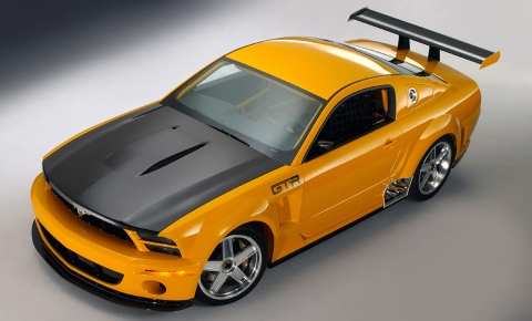 2004 Ford Mustang GT-R Concept 01