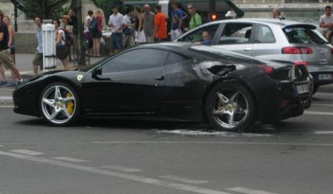 Ferrari 458 Italia Catch Fire in Paris 01