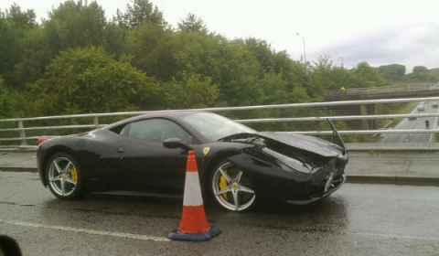 Car Crash Another Wrecked Ferrari 458 Italia 02