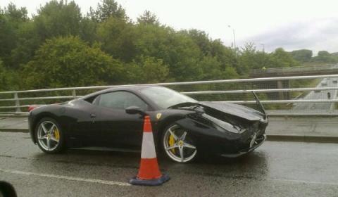 Car Crash Another Wrecked Ferrari 458 Italia 02
