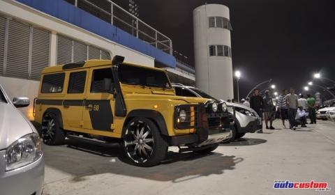 Overkill Land Rover Defender 02