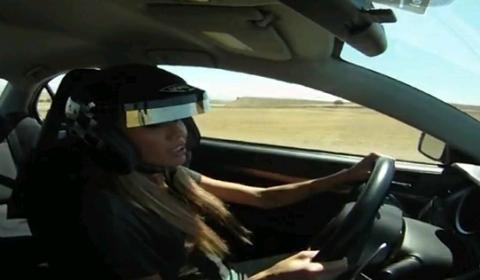 Video Hot Model vs Professional Racecar Driver