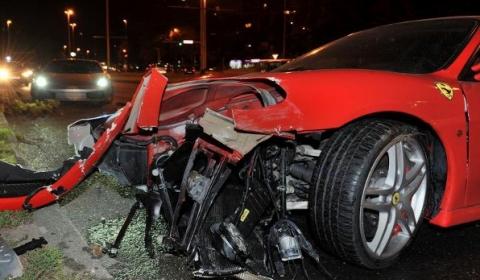 Car Crash Ferrari 430 Crashes Into a Tree 01