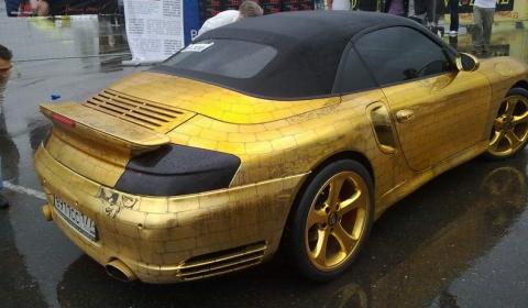 Overkill Golden Russian 911 Turbo Cabriolet