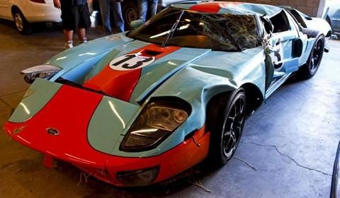 Crashed Ford GT Gulf  Edition