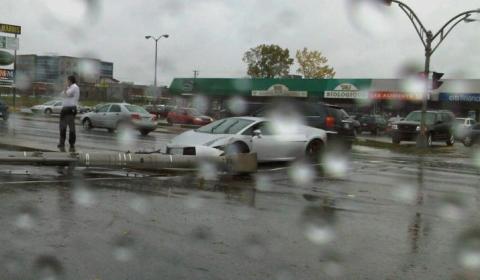 Car Crash Lambo Fights Traffic Light Pole in Quebec Canada