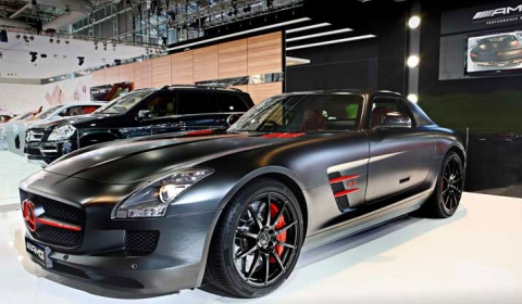 Mercedes-Benz SLS AMG Night Black