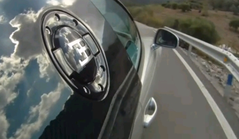 Video AutoCar Drives Bugatti Veyron Super Sport