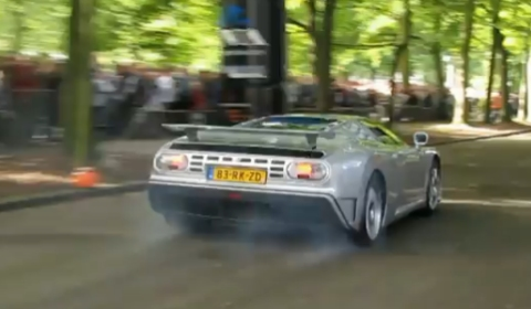 Video Bugatti EB110 Burnout