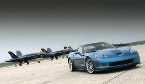 "Video Chevrolet Corvette ZR1 ""Blue Devil"" VS Blue Angels F/A-18 Hornet Jet"
