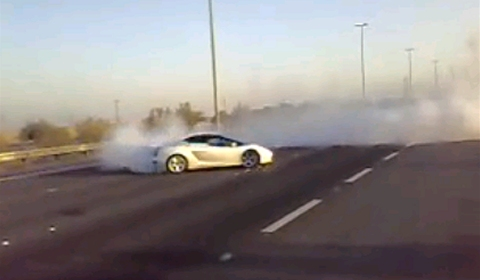 Video Lamborghini Gallardo Burnout and Donuts in Kuwait