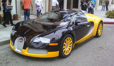 Yellow Bugatti Veyron at Rodeo Drive Los Angeles