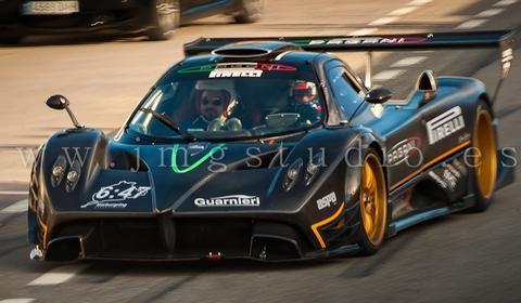 Zonda R on Ascari Circuit
