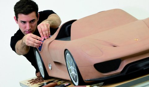 Teaser Image Shows New Design Porsche 918 Spyder
