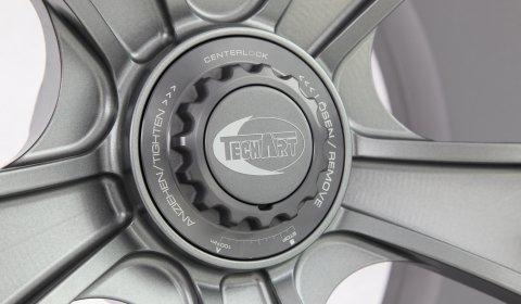 TechArt Formula Race Lightweight Forged Centerlock Wheel 01