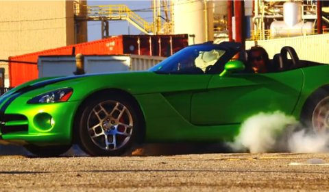 Video Dodge Viper Burnout