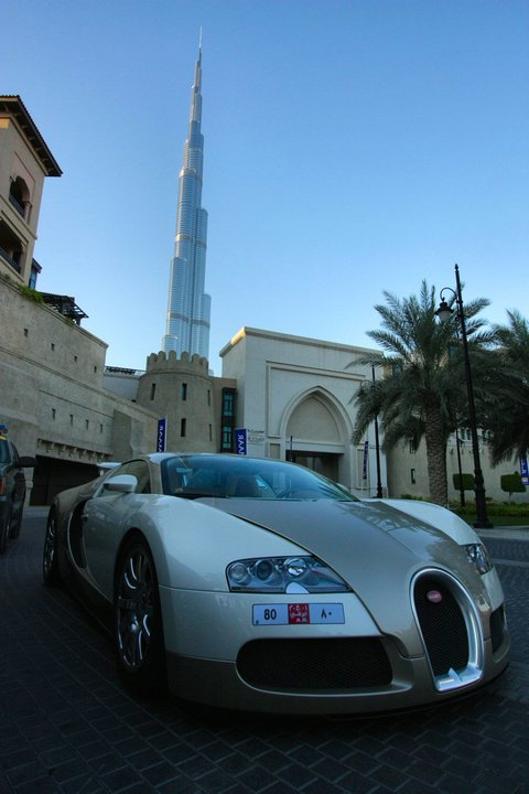 photo of the day bugatti veyron in dubai gtspirit. Black Bedroom Furniture Sets. Home Design Ideas