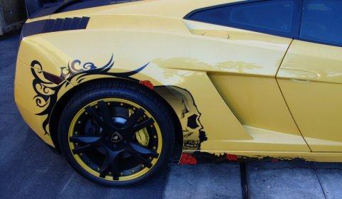 Lamborghini Gallardo Goes Tribal 01