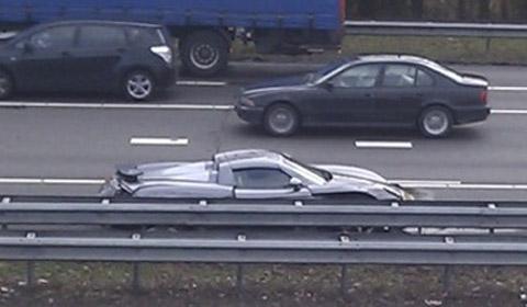 Porsche Carrera GT crash at the A20 motorway in The Netherlands