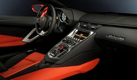 LP700-4 Aventador Interior
