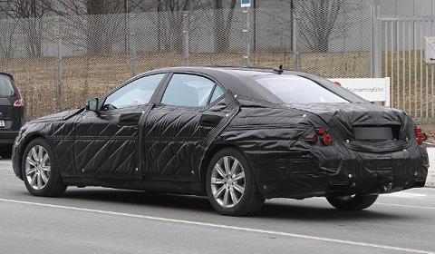 Spyshots: Mercedes-Benz S-Class